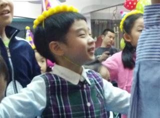 杨阳洋长大了,都会跳TFboys的《青春修炼手册》了