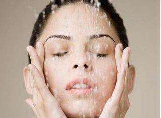 教你选择适合自己的化妆水