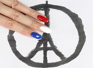 """请不要再把你的头像换成""""祈福巴黎""""!"""