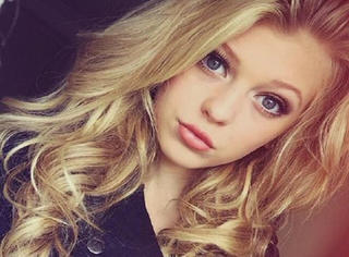 逆天!看看别人家的13岁性感美少女!