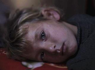 战乱中,请问孩子们该睡在哪?