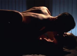 电影教你啪啪啪 | 女神如何用肉体拯救看A片成瘾的少年?