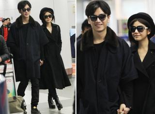 陈晓陈妍希全黑情侣装牵手现身机场 高调得想不注意他们都不行
