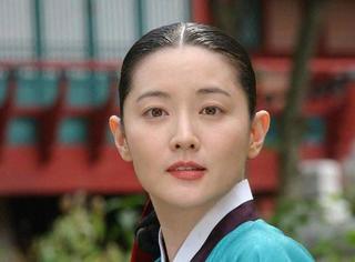 她年近半百,却依然是韩国最美的女人