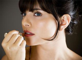 美妆心机 | 唇膏形状看性格 你适合什么唇色