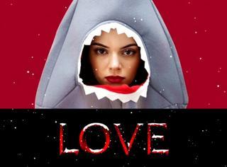 金小妹扮鲨鱼卖萌,Gigi穿性感蕾丝Show身材,《Love》月历要逆天!