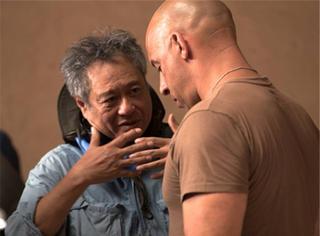 别人忙着拍《卧虎藏龙》,李安却在掀起电影革命