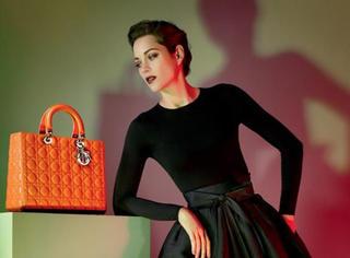 8大品牌明年的IT BAG早知道,这几款包包谁先买谁先美!