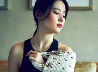 从戴妃御用到女星标配 | 诞生20年,Ta终于有了专为中国Lady的版本!