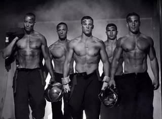 舔屏福利 | 媲美男模的性感消防员