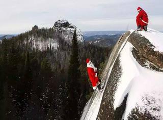 嘘,我们的摄影师抓住了两个圣诞老人