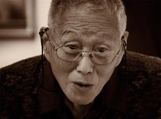 演过《西游记》,拍过三级片,78岁被奉为华人摄影界的扫地神僧