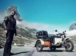 你开车送孩子上学,他却骑摩托带孩子周游世界