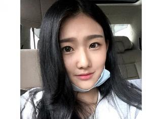 袁雨萱喂灿烈吃薯片,可是这姑娘黑历史不要太多哦