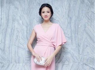 太气人了,张梓琳都怀孕5个月还是那么瘦
