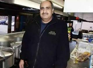为了让难民们在圣诞期间吃上热食,英国大叔把巴士改成餐车开到远离家乡的难民区