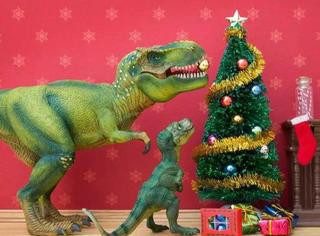 那么大牌,连恐龙小伙伴都来找她玩。。。