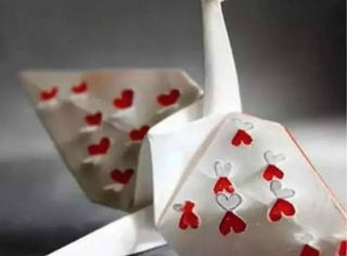 把千纸鹤玩得这么少女心的,竟然是个男人!
