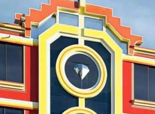 玻利维亚人用斑斓建筑宣示他们已经富起来