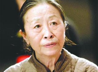她是曾被李安、陈凯歌相中的60岁影后,却至今仍住40平米小房