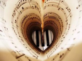 让令人沉醉的古典乐给约会添情调