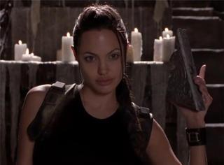 还记得当年《古墓丽影》中那个超高还原度的劳拉吗?