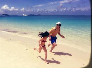 李亚鹏带女儿海边度假,李嫣这随妈的大长腿秒杀多少同龄小孩儿!