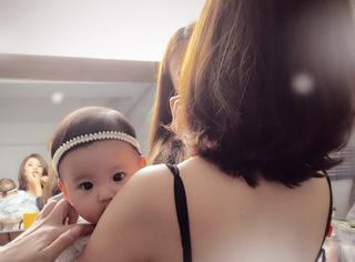 有爱瞬间 | 贾静雯女儿出生5个月,每天都美出新高度!
