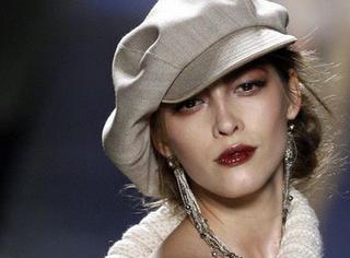 有才华、高颜值,她不仅是年轻CEO,更让祖传的神秘手艺,走上了巴黎时装周!