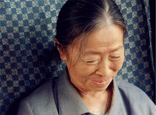 她是曾被李安、陳凱歌相中的60歲影后,卻至今仍住40平米小房