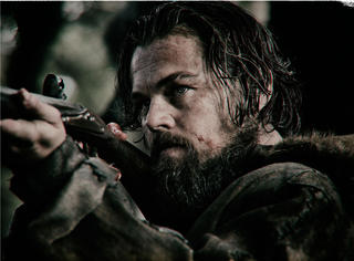 血战黑熊生吃肝脏的传奇猎人休·格拉斯