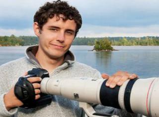 他用5年花了2500小时,拍出400朵耀眼世界的雪花