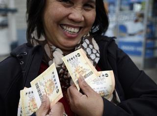 全美疯狂买彩票,最高奖金可能飙到13亿美元!