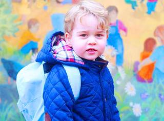 乔治小王子上学咯,最小时尚icon穿啥啥卖光!