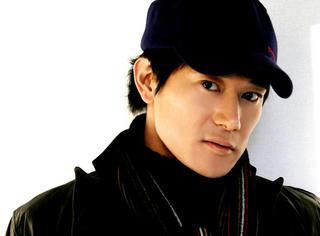 他是中国演艺圈混的最好的日本人,还娶了中国美女