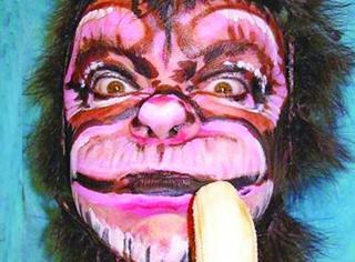 有人非常抓马得发明了一个猴年妆,我也是笑疯了