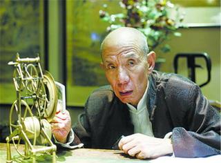 他是中国的戏骨,却从不接拍广告,一生简单清平甘做人民演员