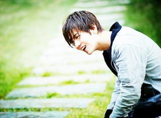 年度最美笑容评选,打败杨洋、李易峰、baby、言承旭的,竟是他!