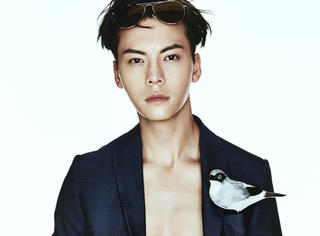 看脸 | 陈伟霆:这位痞帅痞帅的Boy露腹肌啦!