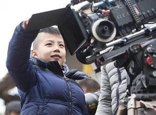 【快讯】又见霸道总裁胡皓康,探班老爸还当起了摄影师