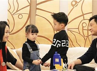 曹颖5岁儿子竟是极品撩妹高手!