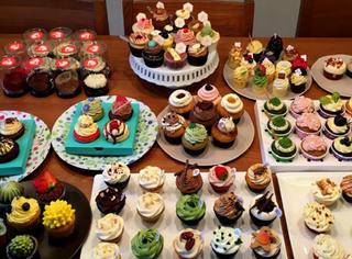 我们吃了100个纸杯蛋糕,只为了告诉你哪家最好吃