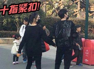 冯绍峰林允真的在一起了,大年初二手牵手逛游乐园