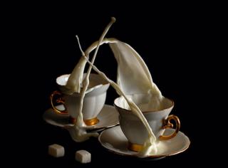 信不信,这杯打翻的咖啡绝对会挑起你的胃口!?