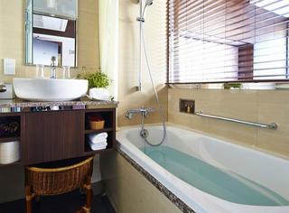窥视日本太太的浴室后我惊呆了