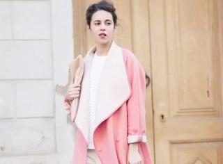 外国女人这样穿大衣,漂亮又时尚!