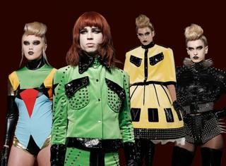 魔性伦敦时装周又来了 准备好看一场充气娃娃的走秀吗