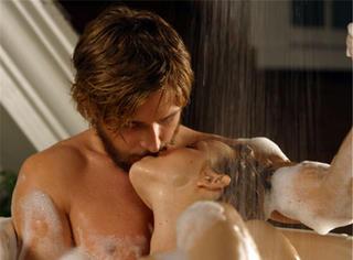 那些电影里少儿不宜的浴缸
