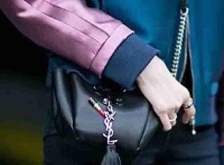 【鞋包新宠】时装周上的潮人们最爱这些包