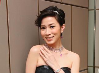 她是TVB当家花旦,被陈浩民、郑嘉颖深爱过,40岁仍单身